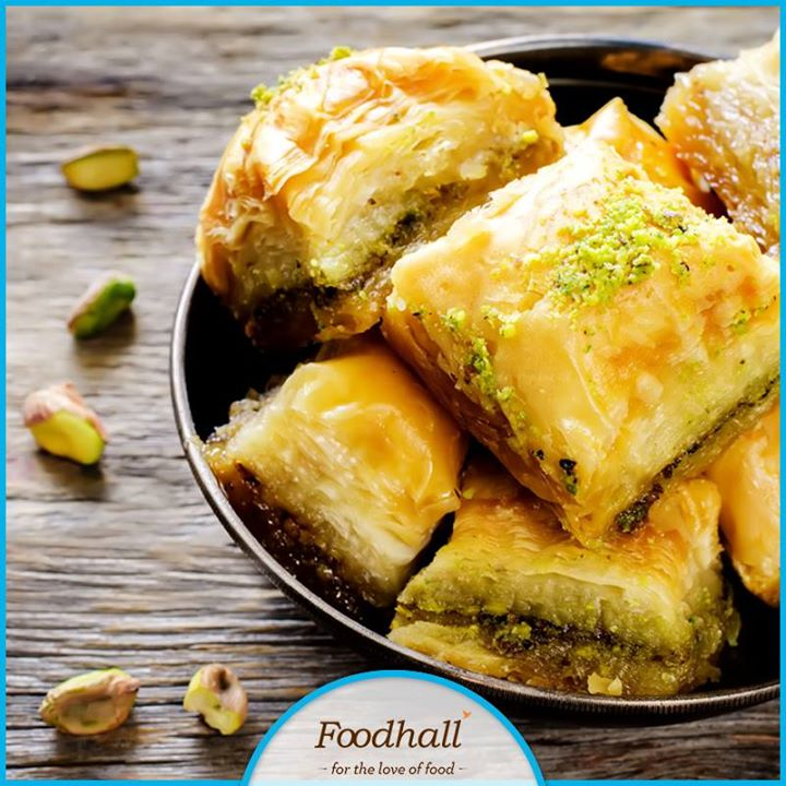 This festive season, indulge in baklava, a traditional sweet from the Middle East! Unique in layering and shape, the Kol w Shkor Pistachio Baklava is a must-have at Foodhall!