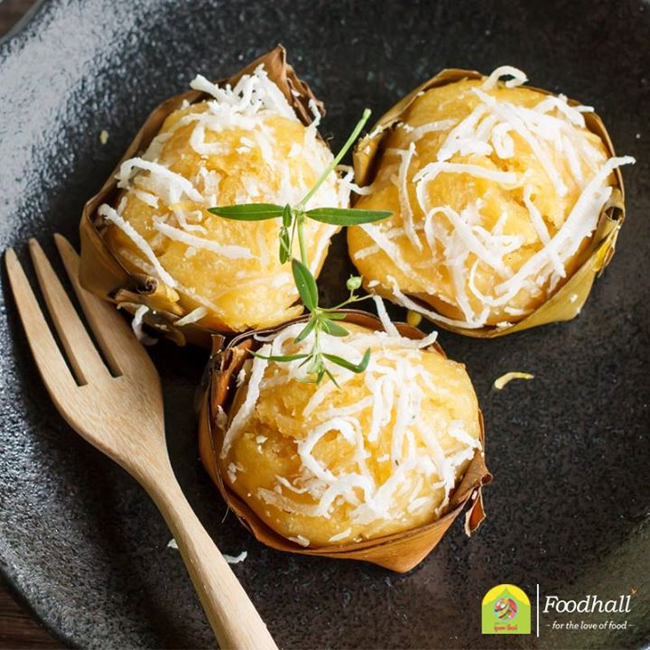 Khanom Tan is one of the most common and delicious desserts available in Thailand. These bite-sized treats are made of toddy palm pulp, rice flour, yeast, palm sugar, coconut cream and coconut milk.