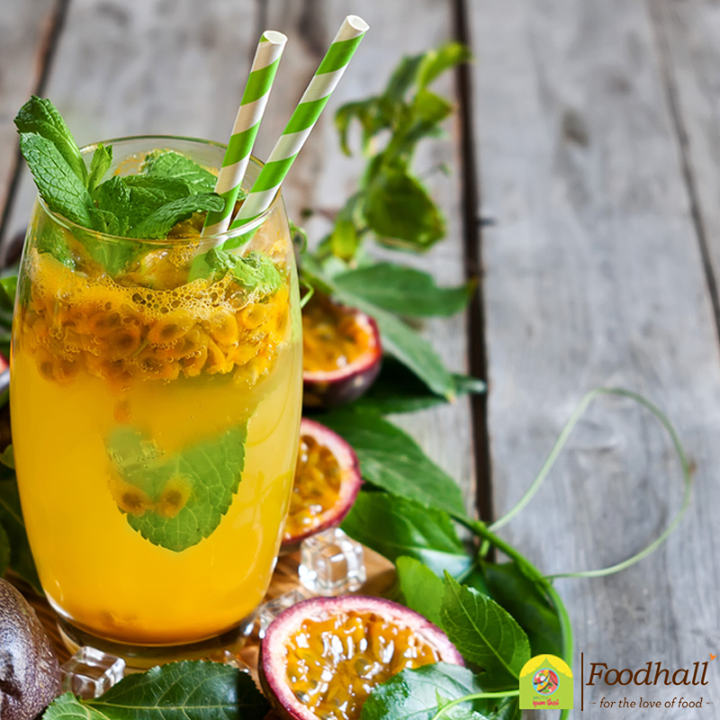 A wonderfully simple drink, the hurricane is a blend of rum, lemon juice and passion fruit. It's a cocktail to get the party started no matter where you are!