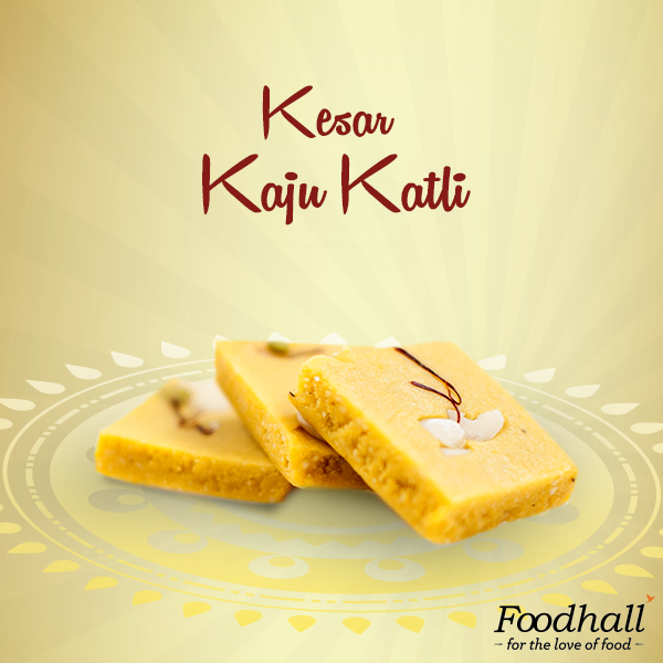 Elevate the taste of the regular kaju katli with a rich flavour of kesar! This creamy goodness is an ideal gift for your loved ones, this festive season.