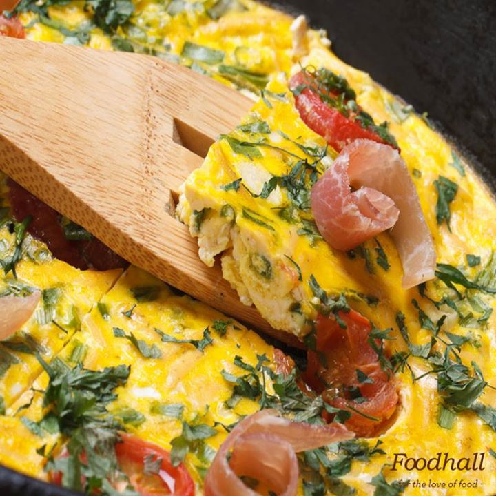 How about a nutritious twist to your breakfast omelette? Mix some avocado, mushroom, egg and top it with bacon for a delicious Italian frittata!