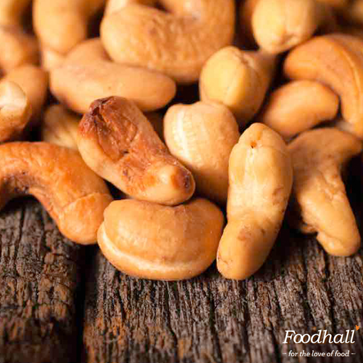 Speckled with sriracha, cayenne pepper and a honey blend, these zesty roasted cashews can be made well in advance of your next cocktail party!