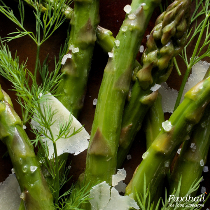 Great with just a hint of lemon juice, parmesan and sea salt, a side of steamed asparagus is the perfect accompaniment to your meal!