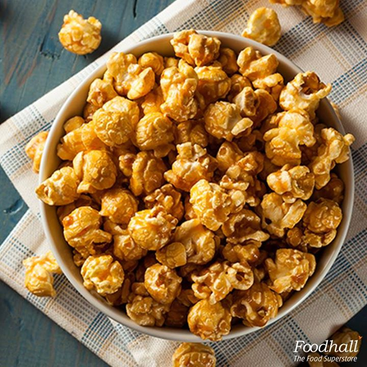 Speckled with barbecue sauce, paprika and a brown sugar, these zingy popcorns are just what you need to make for your movie night!