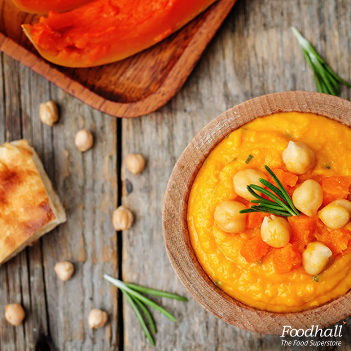 Try out this recipe of Sweet Potato and rosemary hummus this weekend! Blend chickpeas, sweet potato puree and roasted garlic until smooth. Add olive oil, coarse sea salt and a tablespoon of maple syrup! Top with fresh rosemary, serve with crackers and enjoy!