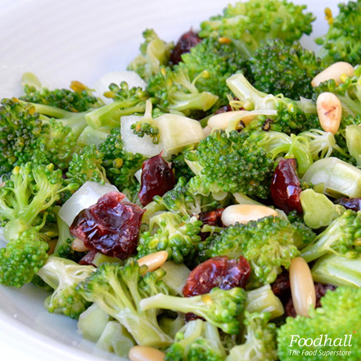Spruce up tomorrow's lunch with this broccoli coleslaw.   Golden raisins and honey add sweetness to this chopped broccoli salad while bacon, onion and white balsamic vinegar add savory notes.   A drizzle of homemade ginger-soy dressing is all it takes to bring it all together!