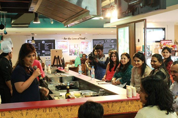 We were mesmerized by Chef Rakhee Vaswani's recipes! Have a look at a few moments we captured during this flavourful workshop.