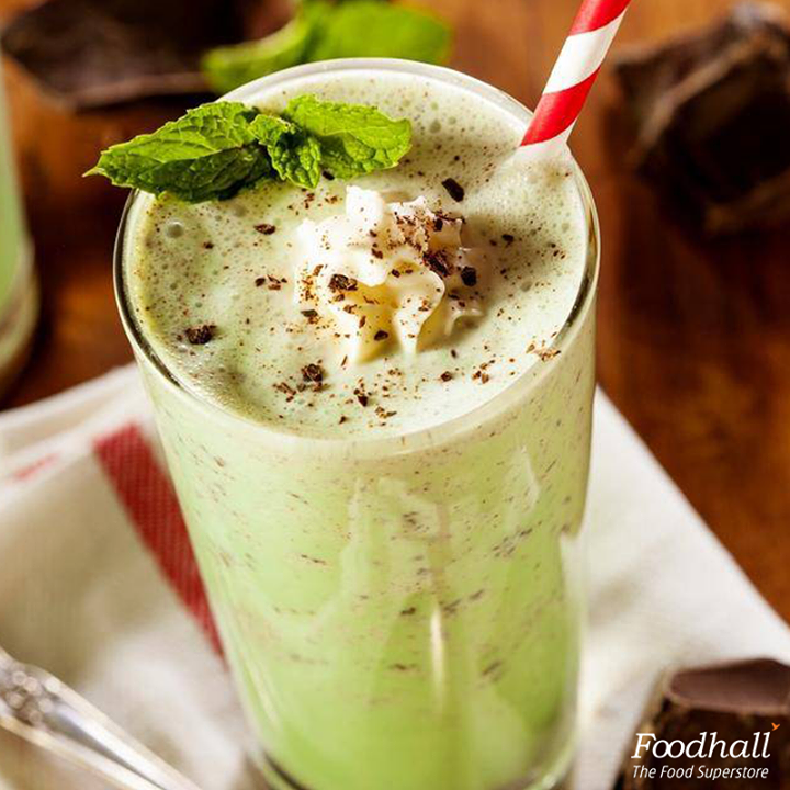 Take the idea of a welcome drink to the next level with this rich and creamy, Mint and Chocolate Milkshake. Blend vanilla ice-cream, milk, peppermint extract in a blender until smooth; garnish with a sprig of mint and a drizzle of cocoa. Serve chilled!