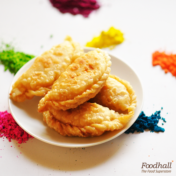 Colours all around and sweetness in your homes. We are bringing you specially created gujiyas, this Holi! Come join the celebration at our stores.