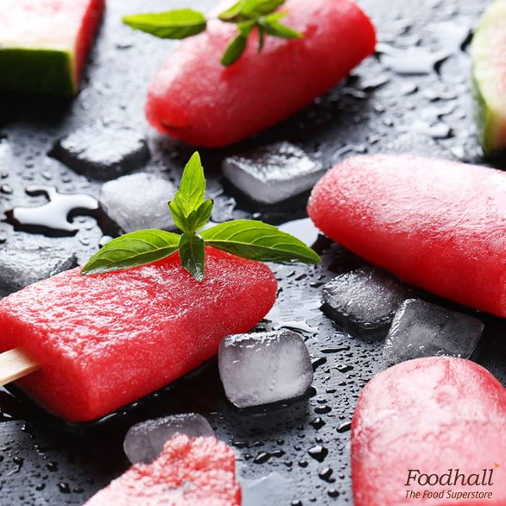 The only time your kids will forget it's summer! Blend 5 cups of chopped watermelon, 2 teaspoons grated ginger and 2 teaspoons of lemon juice with some sugar, freeze it for at least 45 minutes before adding the sticks to avoid ingredient separation.