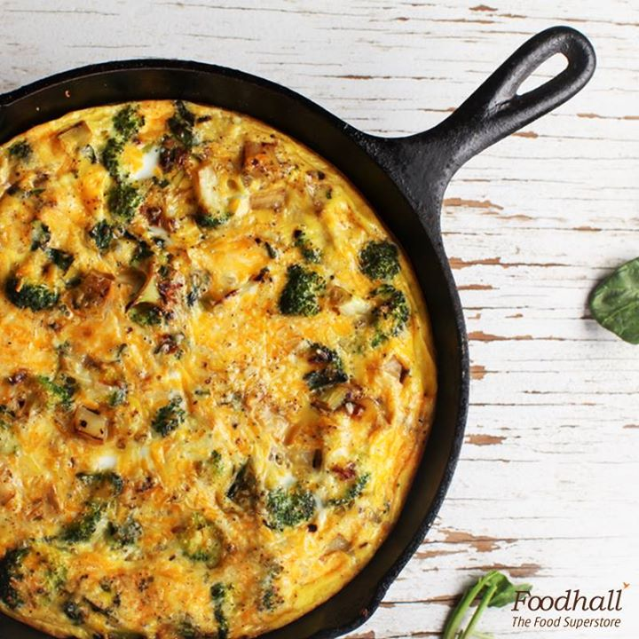 What comes to your dining table in 15 minutes?  A Spanish omelette made with eggs, spinach, mushrooms, potatoes and feta cheese.