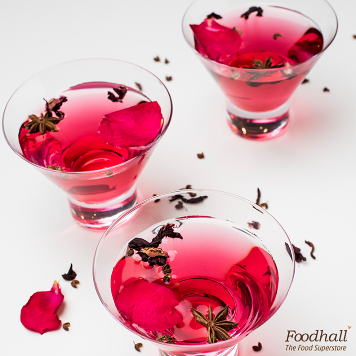 When you want the best of both worlds, sip on some pomegranate and hibiscus drink infused with sichuan pepper - the perfect blend of sweet and spicy.