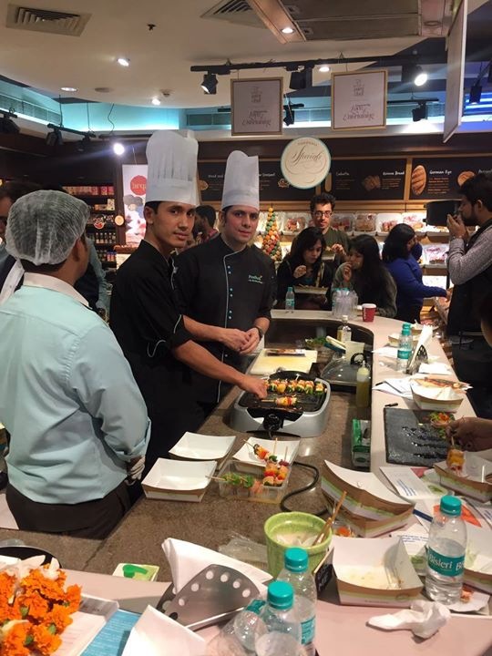 We had a fabulous time hosting the Norwegian Salmon Masterclass at our store @DLF Place, Delhi for a house full of enthusiastic food lovers.