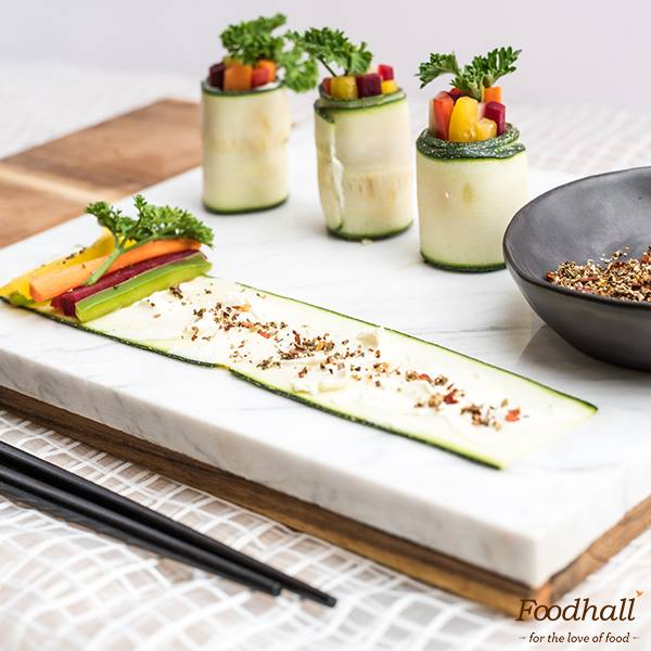 Serve a healthy spread at your next party with zucchini roll-ups.  Peeled zucchini with cream cheese spread makes for the perfect wrap-around for those veggies. Season with ARQA Urtesalt for the perfect finishing touch!