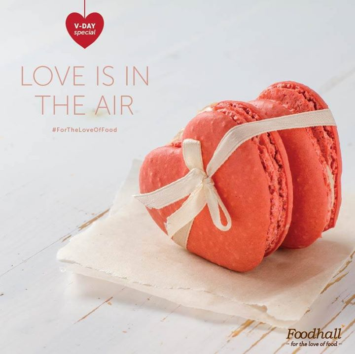 Dazzle your sweetheart with our special collection of heart shaped macarons this February! #ForTheLoveOfFood #ValentineSpecial #FoodhallRecommends
