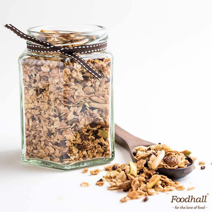 Say hola to Granola & power through the week with our handmade Granola! Great for on-the-go snacking or a power-packed #breakfast - get it from our stores today!