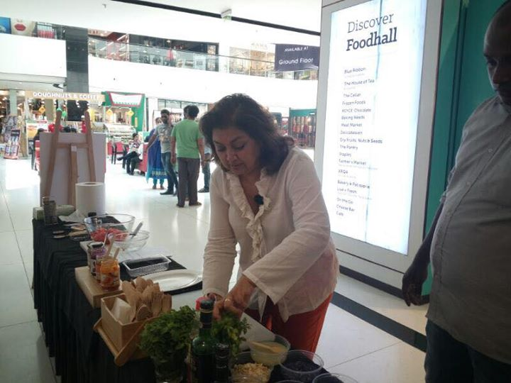 We had a lot of fun learning secrets of celebrity chef Karen Anand at the VR Foodie's Fest! Here's a quick glimpse!