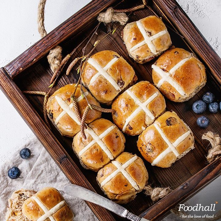 The countdown for Easter is underway & there's nothing better than the delicious smell of Hot Cross Buns! Cinnamon-flavoured, subtly sweet & studded with currants and candied fruit – get them fresh from our stores!