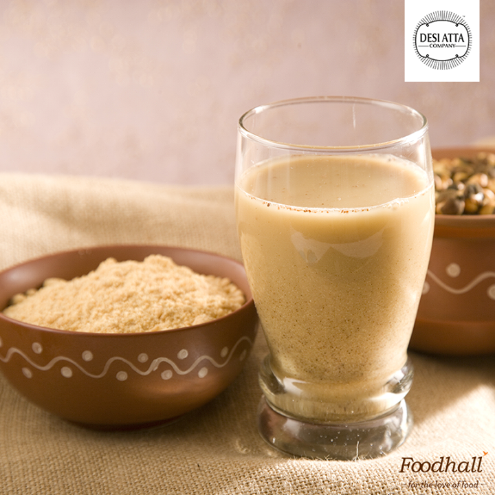 While the weather is swinging between hot & humid, stay hydrated with superfood Sattu from Desi Atta Company! This naturally gluten-free flour makes for an excellent beverage, popular in India for its cooling properties & health benefits!   Simply take 3-5 tsp of flour in a glass; add cold water, lemon juice, salt, cumin powder, chopped coriander & mint leaves. (Tip: We even love adding chopped green chilli & onions for added flavour!)  Mix well & enjoy!
