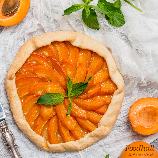 Say yes to everything apricot this season! Besides who can resist a galette like this?