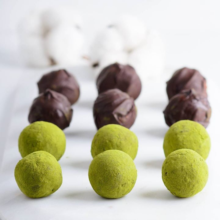 Rich, yet not so sweet #chocolate #truffles coated with #matcha green tea... Simply irresistible! 🌿 🌿 🌿 Premium dark chocolate, matcha,  and everything else you may need to make this at home are available at #Foodhall stores in Mumbai, Delhi NCR and Bengaluru.