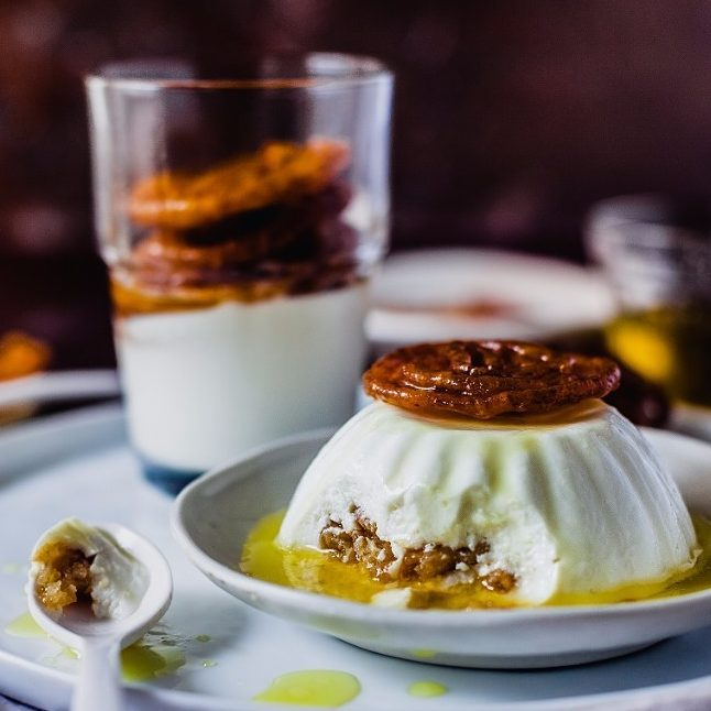 Jalebi + Panna Cotta = 💣💣💣💣 Visit our website www.foodhallonline.com/recipes for more festive desserts.