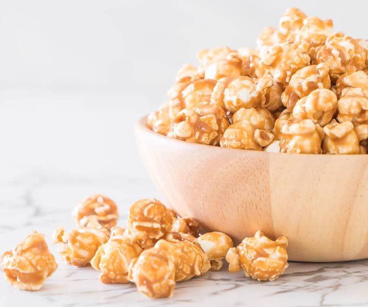 Celebrate the flavour and aroma of freshly popped corn with indulgent caramel.  Catch up on a movie or sport with loved ones or simply watch the day go by.  #CaramelPopCorn #PopCorn #Caramel #Sugar #Foodhallindia #Fortheloveoffood #Caramelpopcornday