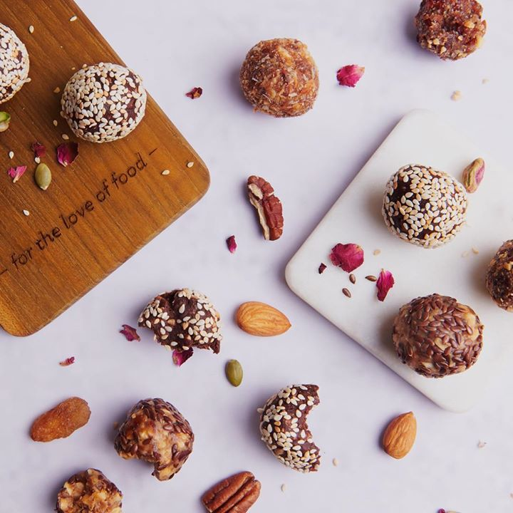 Switch to the healthier side of snacking with these gluten-free, sugar-free and all-natural energy bites. Take home different flavours such as Peanut Butter, Cranberry Chia and Hazelnut Chocolate curated by our chefs from your nearest Foodhall store this month.