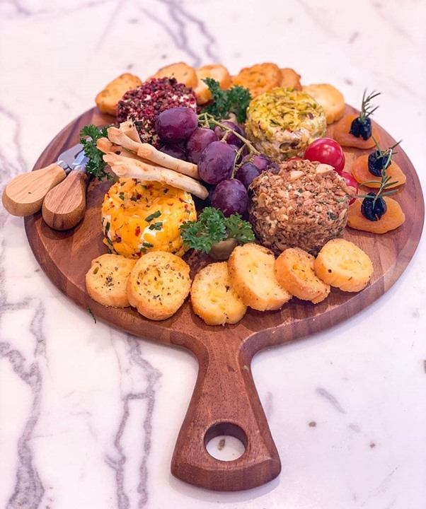 Hosting a summer soirée? Our moreish cheese platters are perfect for entertaining in style. Customise your's with a variety of fresh cheeses (we love pink peppercorn cream cheese & pistachio truffle!), complemented by fresh grapes and crusty breads (among other trimmings)! Visit your nearest Foodhall store or WhatsApp us on 809 503 1111 to order your's now!  #fortheloveofcheese #foodhallindia #fortheloveoffood #cheeseplater #cheese
