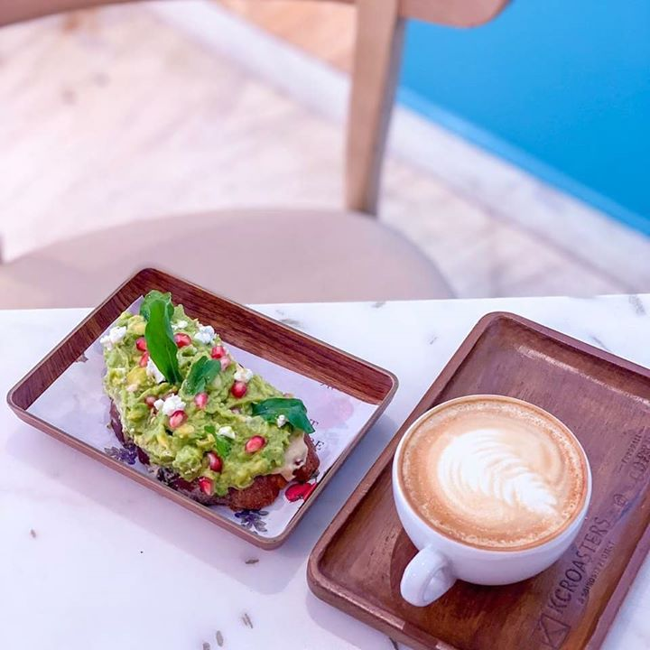 Fall in love with food all over again at Foodhall@Linking Road. Sit down for a creamy avocado toast at The Café by Foodhall paired well with freshly roasted coffee from @KCRoasters. If coffee is not your cup of tea, experience a burst of flavours with our unique tea and cheese menu at @THTbyFoodhall. You can also bring out your inner chef and spend the evening cooking up a globe-trotting menu with our experts at the @foodhallcookerystudio. And of course, raise a toast to the sun-drenched cuisine of Sorrento, Italy @SorrentinabyFoodhall with our Salute (Happy Hour) menu. See you at Foodhall @LinkingRoad!  #FoodhallIndia #fortheloveoffood #kcroasters #THTByFoodhall #THTIndia #Foodhallcookerystudio #fortheloveofcooking #sorrentinabyfoodhall #salute #tasteofitaly