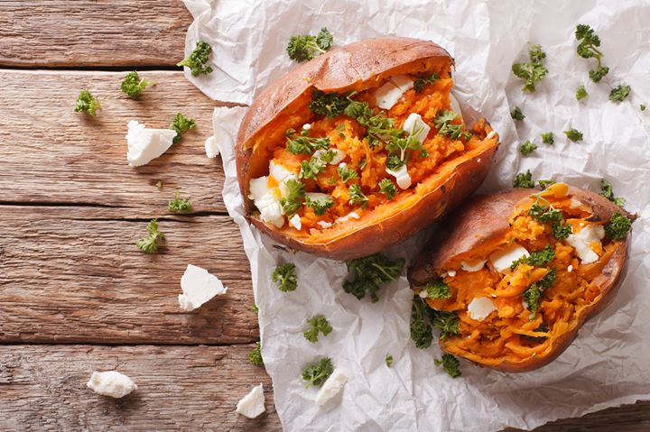 Capitalize on the comfort of baked sweet potatoes for a veggie dinner rich in fibre, vitamins and minerals. Simply rub a little oil and bake this sweet root vegetable to a tender perfection, fluffing the inside-flesh with a fork before you pile on the toppings. The variety is endless. Will it be kale, feta and avocado or fresh feta and parsley? Nut butters make a nourishing addition too… Get cooking at home this #monsoon-season with #FoodhallIndia!  #FoodhallIndia #ForTheLoveofMonsoons #ComfortFood #SweetPotato #MonsoonStaycation #StuffedSweetPotato #BakedSweetPotato
