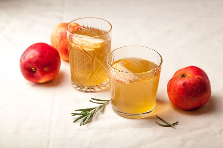 If you're looking to #detox this August, take our #21DayWellnessChallenge and start each day (for the next 21 days) sipping on #AppleCiderVinegar and warm water, infused with a few drops of raw honey. The pro's of this probiotic are plenty and will do wonders to boost your immunity this #festive-season!  #FoodhallIndia #Fermented #FermentedDrinks #Probiotic #Breakfast #GoodHabits #BreakfastTime #HealthyLiving #GutHealth