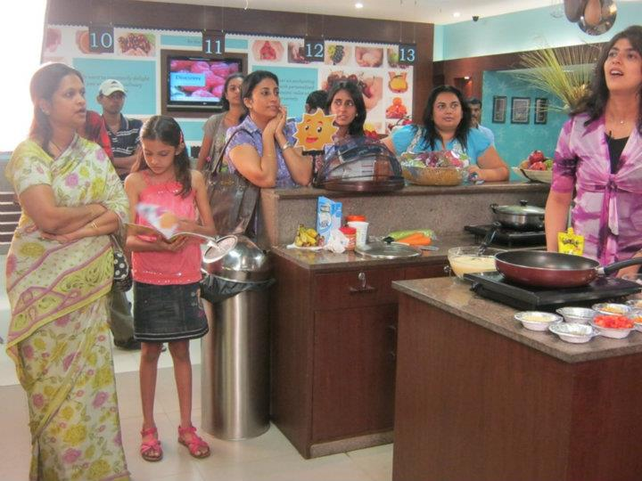 Real Indian moms cooked their kids' favorite healthy dish; LIVE @ Foodhall
