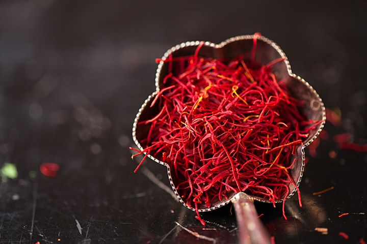 #FoodhallLoves – Saffron  Slightly bitter, a tad musty and suffused with floral hints – just a pinch of #saffron adds a wealth of flavour, fragrance and colour to a variety of dishes.  Use it in baking or to enrich your biryani. Add it to your afternoon chai or evening soup. It lends a spicy slant to sauces and a bright hue to risotto too!  Choose from our sumptuous variety of saffron (Sargol , Kashmiri Mogra, Negin, Spanish) and discover the endless possibilities for yourself!   #FoodhallIndia #ForTheLoveofSaffron #Saffron #CookingEssentials #PantryEssentials #SaffroninCooking #Diwali #FestiveSeason #PartyFood