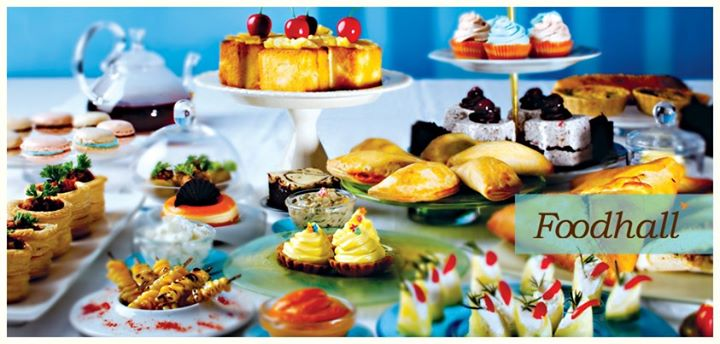 Are your throwing a New year party for your friends this year? How about these petit fours...