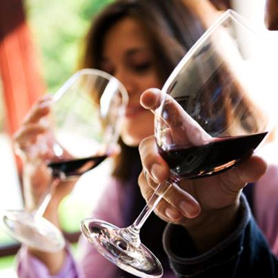 Follow this simple 4 step procedure and impress all with your wine manners:
