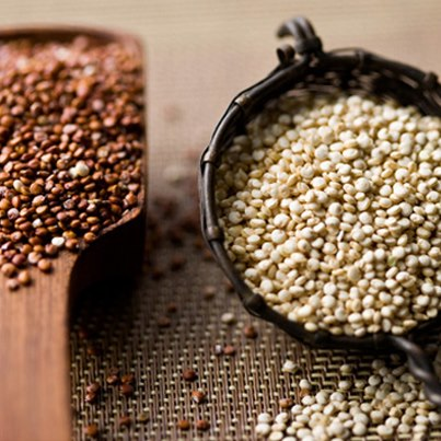Quinoa (pronounced as Keen-Waah) is a Super Grain as it has 12-18% protein content (much higher than rice, wheat) and a high level of fibre making it a powerhouse of nutrients.