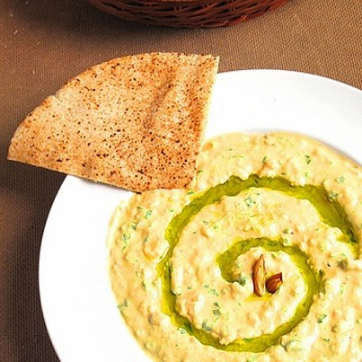 Healthy Food 101: Hummus is rich in Omega 3 Fatty Acids which help improve intelligence and maintain a healthy heart.