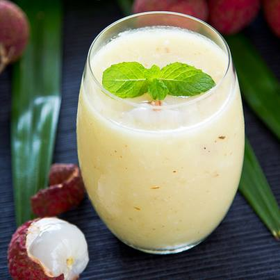 Best way to end a long, tiring day? With Lychee Smoothie, of course!