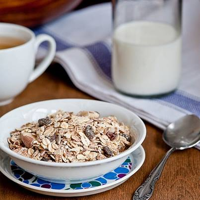 Start your day with a bowl of crunchy muesli for a healthy sunday.