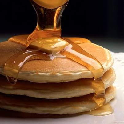 Pancakes + honey syrup = ticket to heaven!