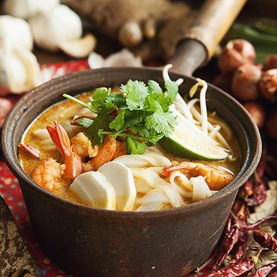 Singaporean Laksa Hofan Noodles are so spicy that a spoonful and you'll turn into a fire-spitting dragon. No kidding!