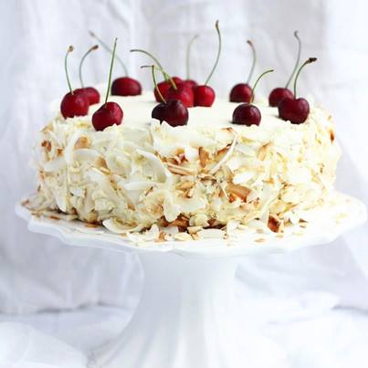 Don't you just want to dig into this cherry coconut #cake?! #YUMMY!