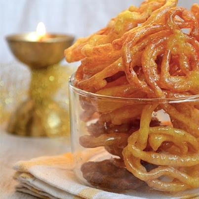 There can be nothing more sinfully divine than fresh jalebis. Eat these at our stores and get transported to heaven in seconds.