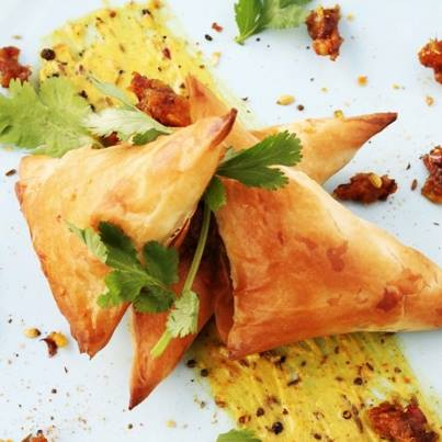 Expecting guests at home? Purchase the Foodhall Cocktail Samosas in packets of four and serve guests this sinful fried delight!