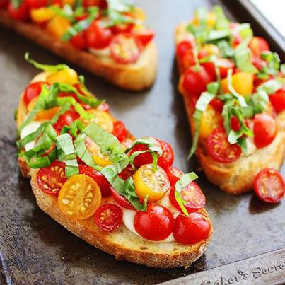 Bruschetta topped with mozzarella makes for a delish appetiser.