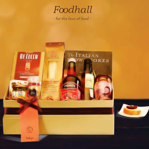 Present Italy in a basket to your well-travelled friends with the 'Italian Affair' gift hamper. Sauces, herbs and a recipe book which will transport them right back to the country to the pizza & the pasta.