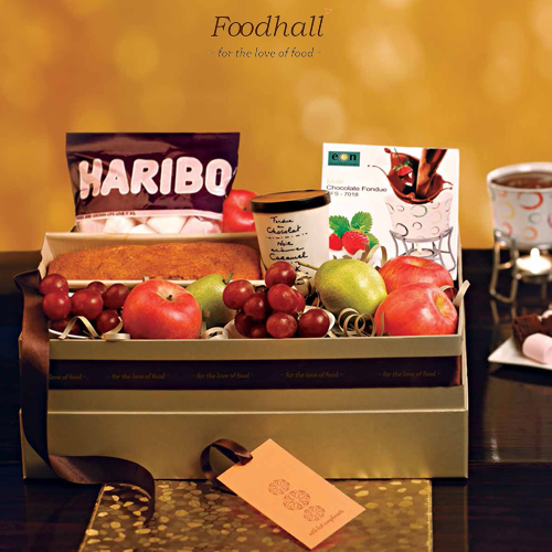 The Fondue gift hamper has all the ingredients required for an easy, relaxed evening at home.