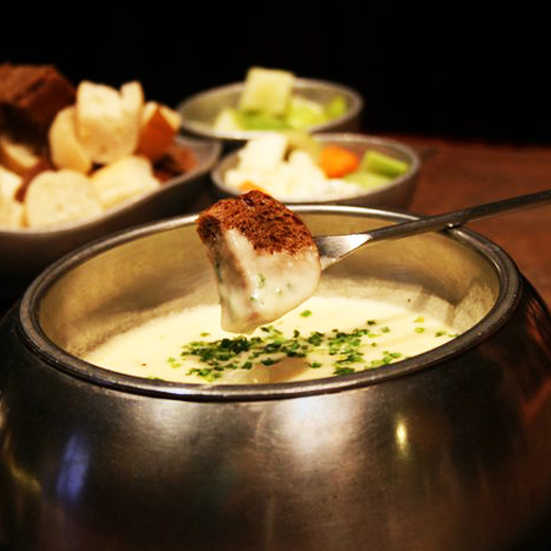 The joy of sitting around a hot bowl of #Fondue with your friends!