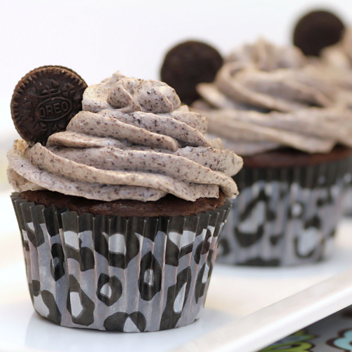 #Oreo cookie cupcakes - because what's a party without it!